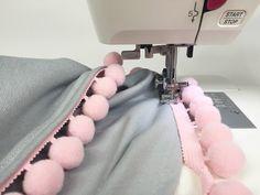 Diy Cushion, Star Cushion, Baby Blanket Tutorial, Cot Bumper, Ideas Hogar, Leftover Fabric, Pom Pom Trim, Baby Crafts, Sewing Patterns Free
