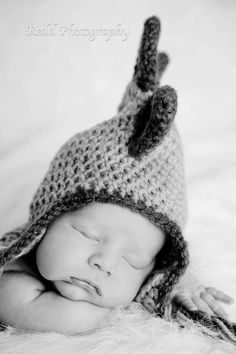Dinosaur crochet hat. $25.00, via Etsy.