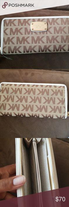 Michael Kors wallet Brand new Michael Kors Bags Wallets