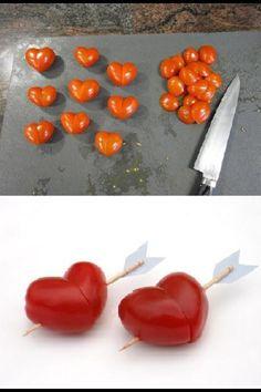 Creative food Cibo creativo: heart tomato, cuori di pomodoro