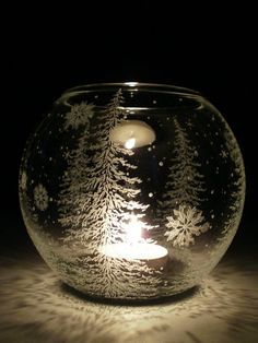 Fir Trees And Floating Flakes' Glass Globe Candle Holder . Winter Home Decor Glass Globe, Glass Candle, Candle Jars, Candle Holders, Etched Glass, Glass Engraving, Hand Engraving, Painting Glass Jars, Glass Art