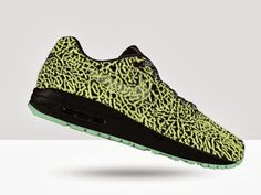 "THE SNEAKER ADDICT: NIKEiD Air Max 1 ""Glow in the Dark"" Elephant Print Option Available For Limited Time"