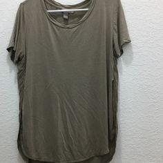 Forever 21 Slit Tee no trades Forever 21 Tops Tees - Short Sleeve