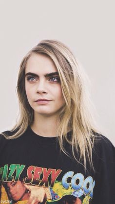 Cara Delevingne wearing a TLC tshirt is EVERYTHING!