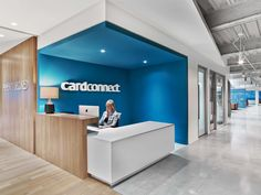 office Reception Desk - Office Tour CardConnect Offices King of Prussia. Corporate Office Design, Office Reception Design, Modern Office Design, Corporate Interiors, Office Interiors, Reception Desks, Modern Offices, Clinic Interior Design, Clinic Design