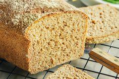 4 tips til et saftig og grovt speltbrød Bread, Baking, Tips, Recipes, Food, Brot, Bakken, Recipies, Essen