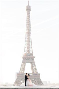 vow renewal in France | eiffel tower portraits | Chateau de Versailles wedding | pink wedding gown | #weddingchicks