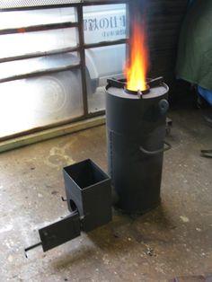 昨年製作したロケットストーブは、ダイレクトに煙突を接続したため、ドラフトが強すぎて 炉口をメルトダウンさせる結果となりました。  そこで原点に戻り、...