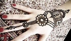 Indian bridal nails designs henna art 66 ideas for 2019 Henna Hand Designs, Eid Mehndi Designs, Best Arabic Mehndi Designs, Legs Mehndi Design, Mehndi Design Photos, Latest Mehndi Designs, Simple Mehndi Designs, Mehndi Designs For Hands, Mehndi Images