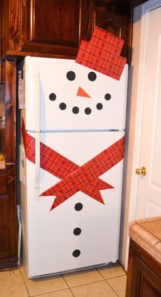 Snowman Refrigerator! I'm sorry, I think this is so cute. I don't know why.... who wouldn't love this?