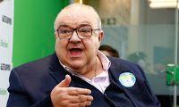 Jornalista Douglas: Greca derrapa nas promessas e provoca ira do eleit...