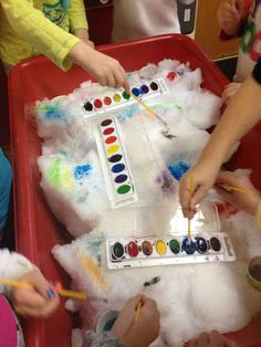"This super clever ""painting snow"" activity for kids."