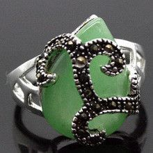 Free shipping >>>>>>RARE VINTAGE .925 STERLING SILVER RING MARCASITE GREEN JADE SZ 7/8/9/10