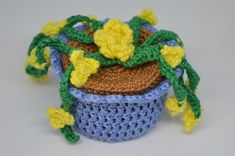Newest Free Crochet Flowers pot Style If you locate just how to crochet some sort of blossom, then you can definitely help make numerous p Love Flowers, Yellow Flowers, Gift Flowers, Crochet Round, Free Crochet, Crochet Accessories, Decoration, Crochet Flowers, Potted Plants