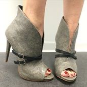 Shoespie Retro Strap Buckle Decorated Peep-Toe Ankle Boots