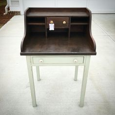 Refinished desk with Rethunk Junk paint stain top and spring meadow with grey mist glaze. #ourjunkyourtrunk #rethunkjunkpaint #breakthechalkhabit