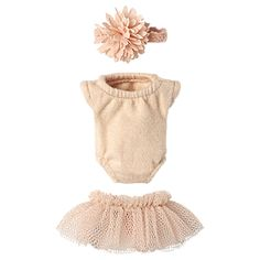 aa0f26bc40cb76 Make your Maileg friend feel like a princess with this cute outfit! This  princess set includes a mint dress