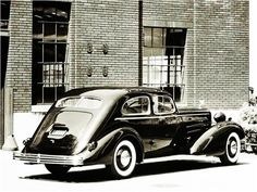 1933 Cadillac V-16 Aerodynamic Coupe
