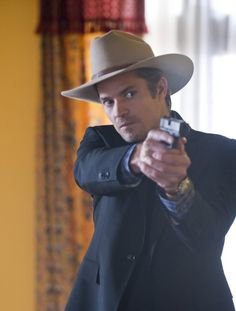 Dreamy! Timothy Olyphant in Justified (2010)