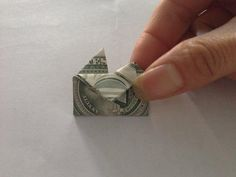 Fold tips sideways to the front to create top shape of heart. Dollar Heart Origami, Money Origami Heart, Easy Dollar Bill Origami, Fold Dollar Bill, Pocket Craft, Folding Money, Money Lei, Diy Envelope, Oragami