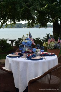 A Red, White and Blooming Patriotic Table | homeiswheretheboatis.net #July4th #MemorialDay #tablescape