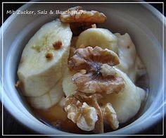 Caramelcreme mit Bananen und Nüssen