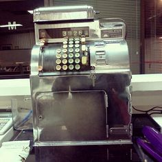 I really, really, really want one of these old bar registers!!  Vintage cash register