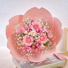 桜の形をした花束・桜ペタロ「はんなり」|日比谷花壇|フラワーギフト通販