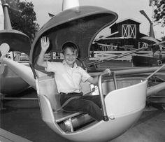 Amusement Park Rides, Abandoned Amusement Parks, Abandoned Cities, Abandoned Mansions, Six Flags New Orleans, Aerial Tramway, Lake Pontchartrain, Old Churches, Park Photos