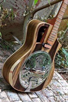 Electro acoustic Resophonic guitar Resonator door RauloGuitars