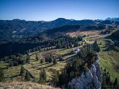 #Wanderung auf den grossen #Mythen #Schwyz Switzerland, Grand Canyon, City Photo, Places To Visit, Hiking, Mountains, Nature, Landscapes, Travel