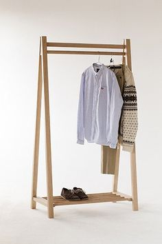The Egon clothes rack is ideal for environments with limited storage or where clothes are to be displayed. It is made using FSC solid oak, ash or walnut with turned wooden lengths that are used for the lower shelf and the clothes rail. The Egon is constructed using honest traditional timber frame jointing techniques. Leaving the joints exposed to be admired. This clothing rack can be twinned with our Vago shelving unit, offering storage for folded clothes or objects in general…