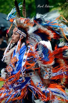 7 Stunning Pictures from Kettle and Stony Point First Nation Pow Wow - Native American Regalia, Native American Pictures, Native American Artwork, Native American Quotes, Native American Symbols, Native American Women, American Spirit, American Indian Art, Native American History
