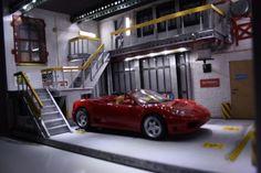 diorama-voiture-1-18-atelier-garage-mecanique-eclairage-led-palette-cartons