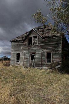 Still Standing, Abandoned Buildings, Better Life, Homesteading, Cabin, House Styles, Sheds, Barns, Inspire