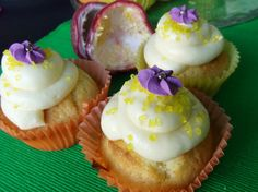 Lilikoi Cupcakes mit Cream Cheese Frosting *