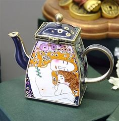 Klimt teapot. I just had a terrible time buying a teapot online. I wanted a glass one and so many were fragile.