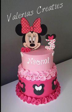 Tortas minnie Minnie cakes Related posts: : Minnie Mouse birthday cakes plus minnie mouse cake prices plus disney princess… What are Double Barrel Cakes – Cake Decorating Basics – Veena Azmanov 6 Creative cakes Idea Irresistible Cakes for All Occasions Mickey And Minnie Cake, Minnie Mouse Birthday Cakes, Bolo Minnie, Mickey Cakes, Baby Birthday Cakes, Mickey Birthday, Minnie Mouse Cake Design, 2nd Birthday, Mini Mouse Cake
