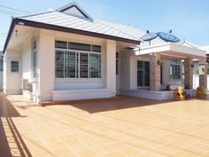 Bali style house for sale and rent , Pattaya, Thailand  http://www.towncountryproperty.com/houses/east-pattaya-house-20001.html