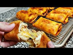 Here is a delicious recipe for a super crunchy cheesy chimichanga. You can use store brand flour tortillas or for a tasty version, you can make tour own home. Mexican Dishes, Mexican Food Recipes, Spanish Recipes, How To Make Chimichangas, Chimichangas Chicken, Rib Recipes, Cooking Recipes, Dinner Recipes, Guisada Recipe
