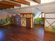 Если к нам обращаются клиенты, чтобы сделать роспись стен в интерьере цена интересует их не меньше, чем качество работы.