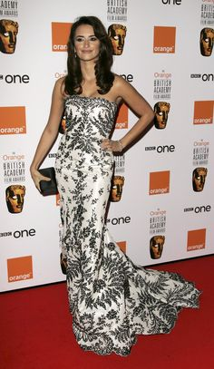 Pin for Later: Take a Scroll Through Penélope Cruz's Best Red Carpet Looks 2007