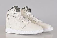 "Air Jordan 1 Retro High ""Phantom"" Is A Girls Exclusive - SneakerNews.com"