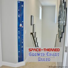 de Jong Dream House: Space-Themed Growth Chart Ruler