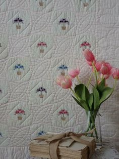 Delicate Sweet Romance! Vintage Pale Pink Embroidered Topiary Quilt 78x66 | eBay Antique Quilts, Vintage Quilts, Summer Quilts, Embroidered Quilts, Quilts For Sale, Hand Quilting, Old Antiques, Topiary, Quilt Top
