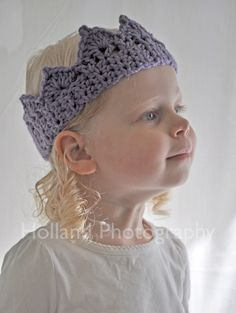 Selva!! crochet crown--that's so cute!  would be great for kids party!