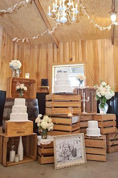 One of the budget-friendly element of country wedding is wooden crates. In our guide of wooden crates wedding ideas, we gathered the most pinned picture Rustic Wedding Colors, Rustic Wedding Photos, Wedding Cake Rustic, Rustic Weddings, Drink Bar, Wedding Song List, Wedding Pins, Wedding Advice, Wedding Bells