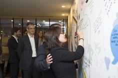 Anabel Zetina, pintando en el mural de  #OpenISPDigital