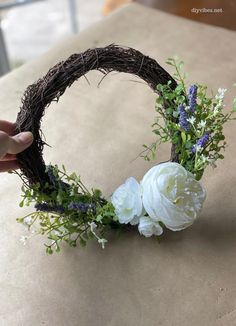 A floral grapevine wreath can add a touch of spring to your front door. Learn how to make one in just a few easy steps. Feather Wreath, Pink Wreath, Floral Wreath, Spring Projects, Diy Projects, Magnolia Wreath, Large Flowers, Grapevine Wreath, Decor Crafts