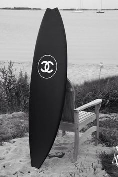 wishing: Chanel Surf. An incentive for me to learn how to surf this summer. Surfs Up, Mode Poster, Black And White Aesthetic, Black White, White Chic, Classic White, Matte Black, Happy Colors, Surfboards